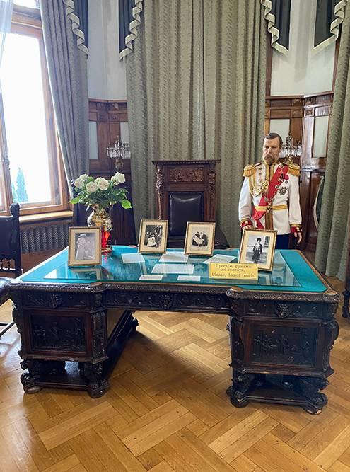 Отреставрированный кабинет Николая Второго