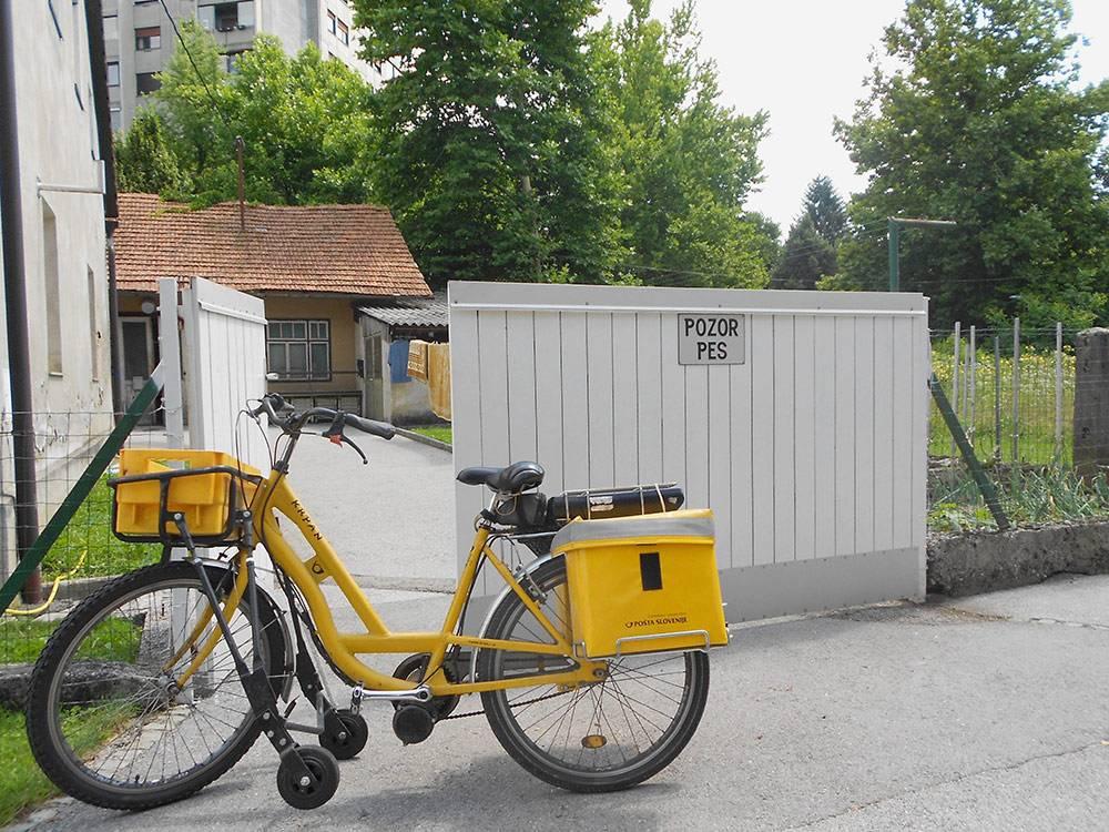Даже почтальоны пользуются велосипедами