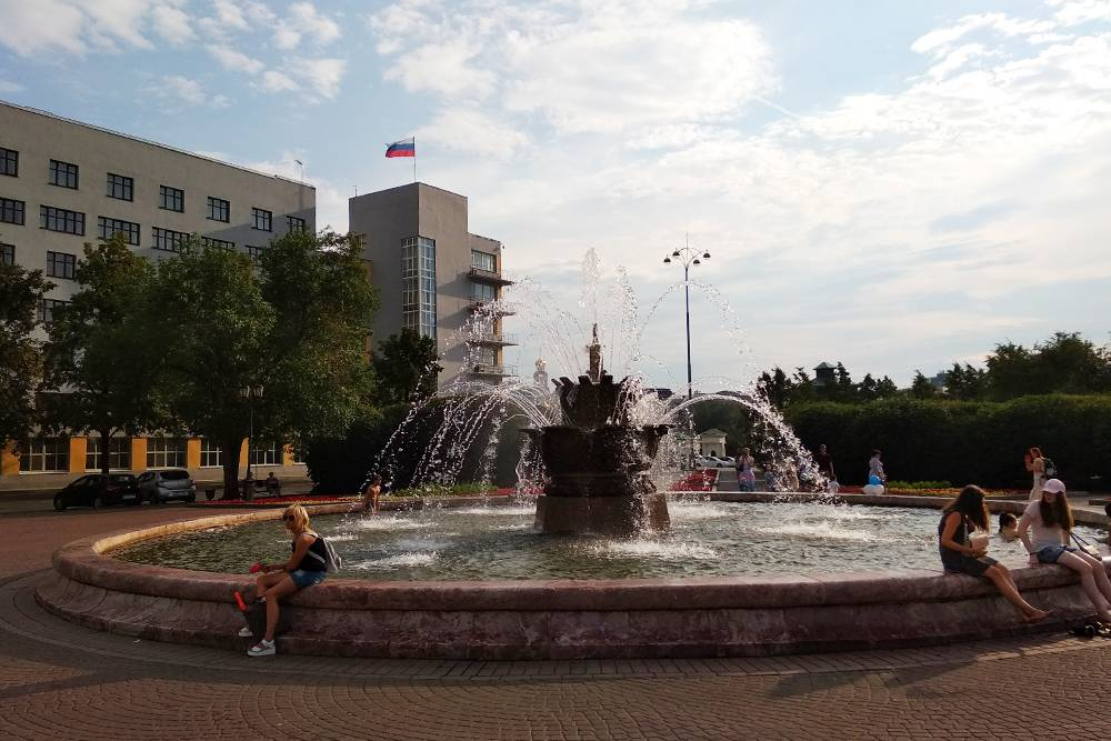 Фонтан «Каменный цветок» в Екатеринбурге