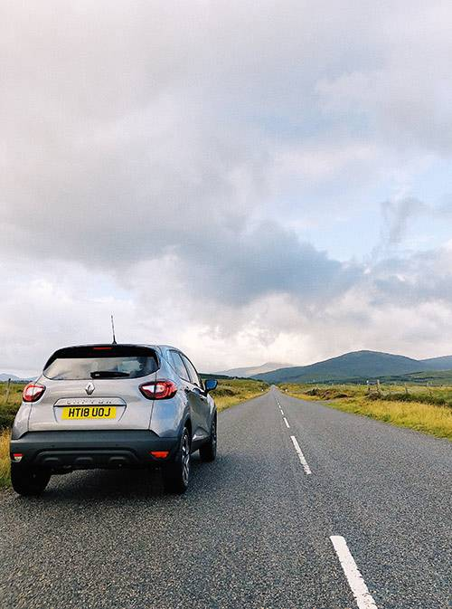 Главная дорога шотландского острова Льюис и мой автомобиль