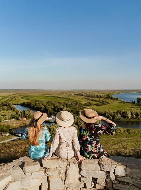 Там фотографируются и молодожены, и туристы, и блогеры. Источник: Анастасия Губинская