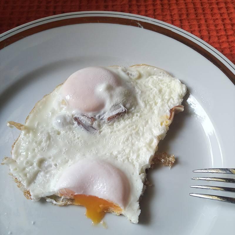 Сегодня завтрак готовила Л.