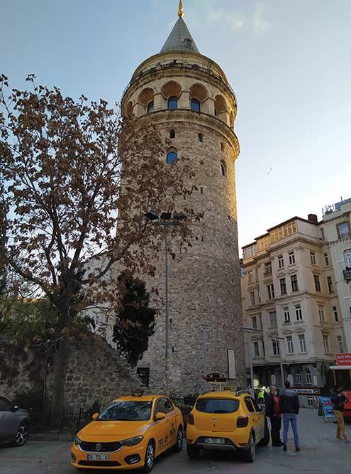 Галатская башня — один из самых узнаваемых символов города