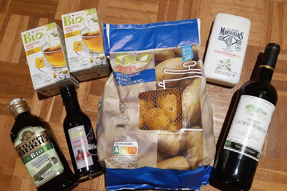 Мне экокупоны начисляются раз вгод насумму 250€, обычно я трачу их вближайшем супермаркете напродукты слейблом «био»: покупаю картошку, травяной чай, оливковое масло, бальзамический уксус, вино игель длядуша