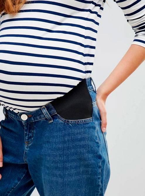 Джинсы для беременных сэластичными вставками побокам. Источник: Clouty