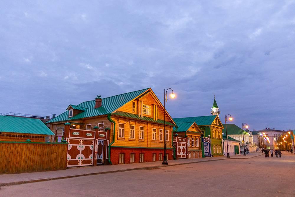 В Старо-Татарской слободе расположена еще одна пешеходная улица Казани — Каюма Насыри