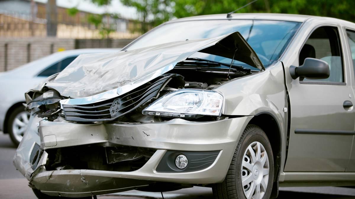Как при повороте столкнуться с автомобилем на главной дороге и доказать невиновность