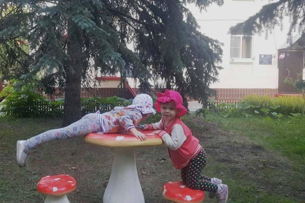 Моя дочь любила играть натерритории садика