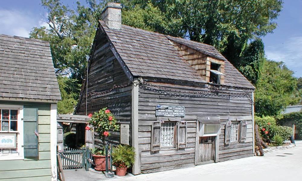 Здание школы. Источник: Visitstaugustine.com