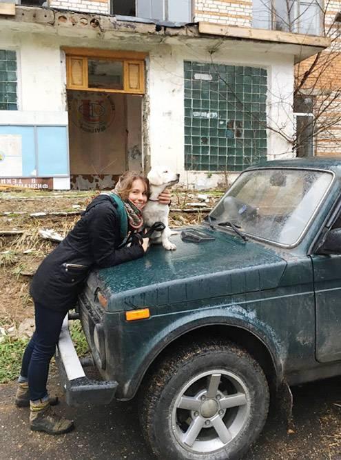 На второй день появления Марго мы поехали с ней в Тульскую область смотреть на разные заброшенные здания