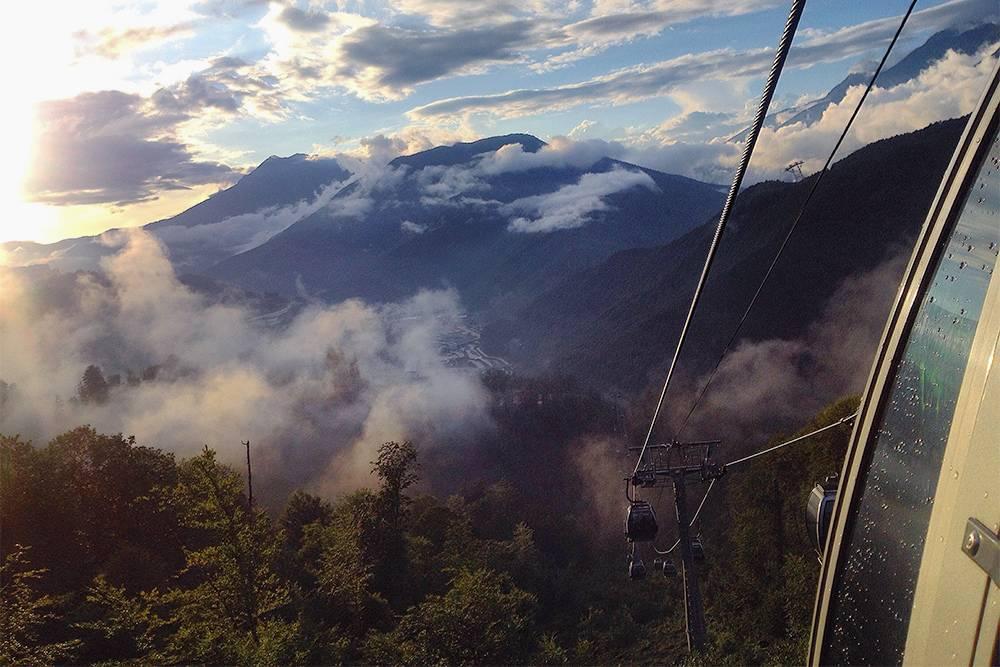 В горы едут ради красивых пейзажей иподъема нахребты выше 2000метров