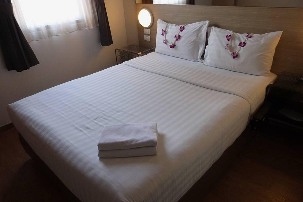 Наш крохотный, но чистый номер в Паттайе, в котором фактически мы только ночевали