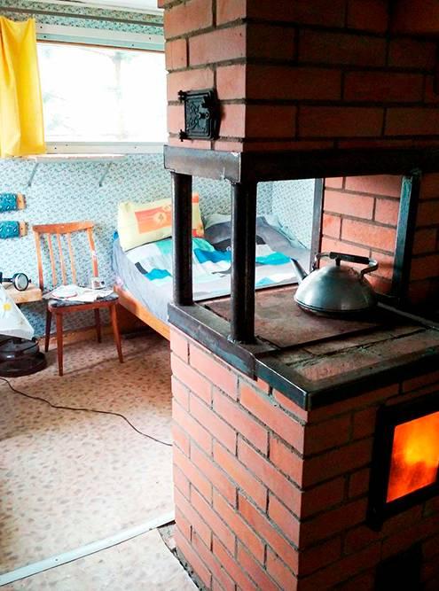 Огонь в печи добавляет уюта