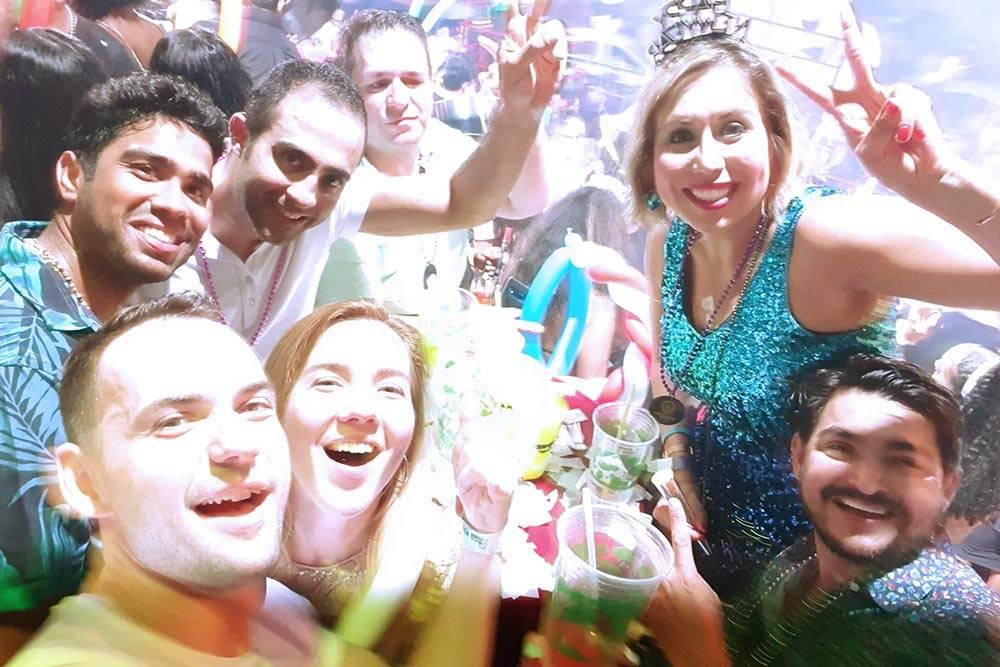 Весело встретили новый, 2020год в компании ребят из США в клубе La Vaquita