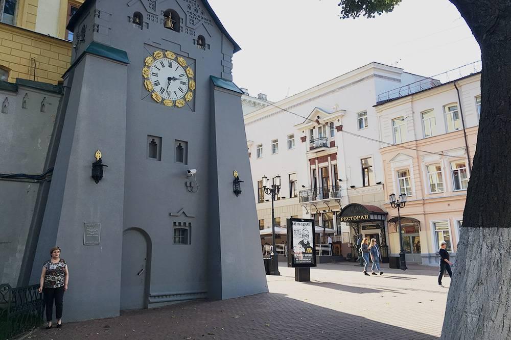 В «Энциклопедии Нижнего Новгорода» рассказывают три смешные легенды о часозвоне Госбанка