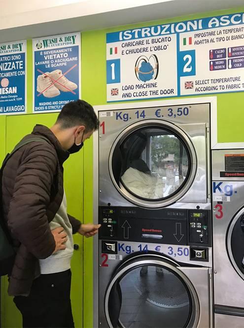 Зимой мы стирали вещи дома и носили сюда сушить мокрое белье