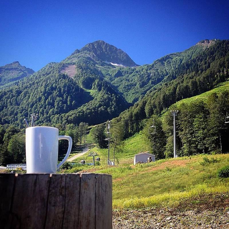 Вид на вершины Аибги с высоты 960 метров на «Красной Поляне»