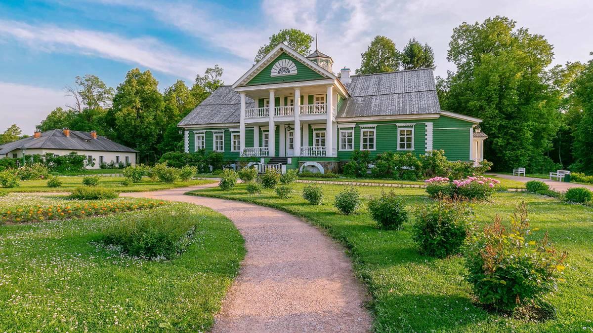 Сколько стоит съездить в Пушкинские горы