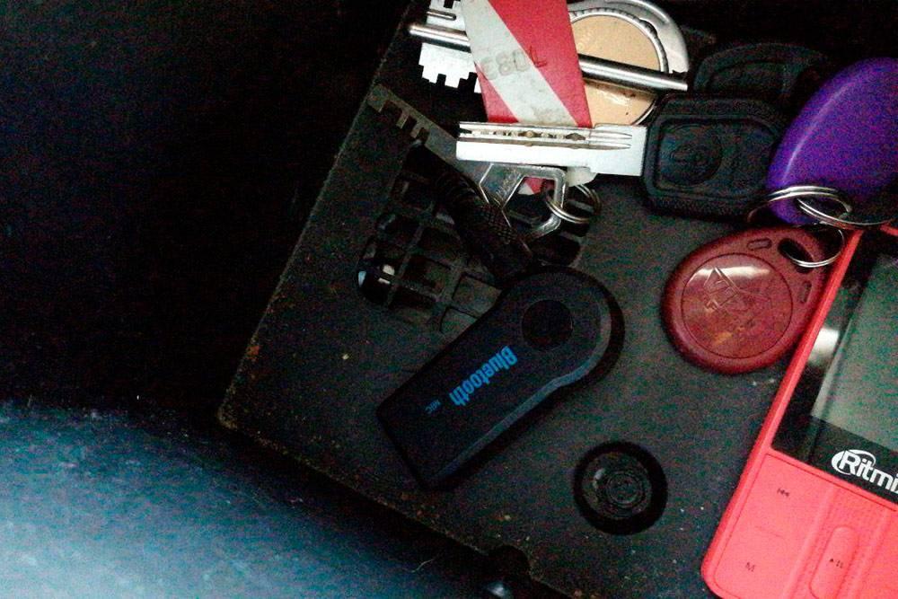 Кабель AUX в блютус-адаптере