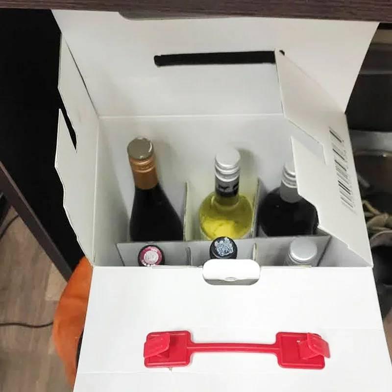 Три бутылки красного, две белого и одна розового. Седьмую подарила другу за помощь в отправке заказа