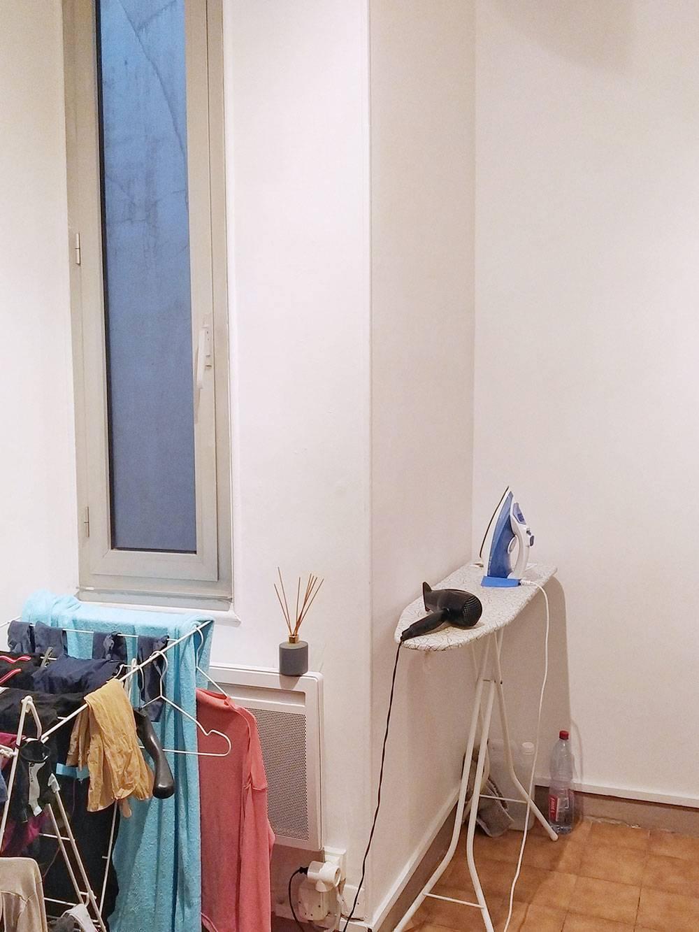 Кладовка с вентиляционным окном, которое хорошо помогает в жару