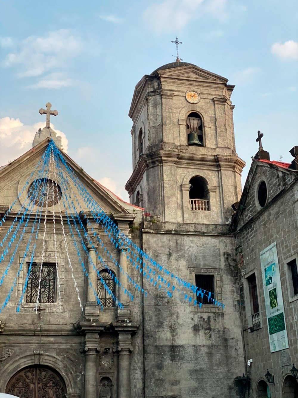 Большинство филиппинцев — католики, поэтому на островах много церквей. На фото старейшая сохранившаяся церковь Святого Августина
