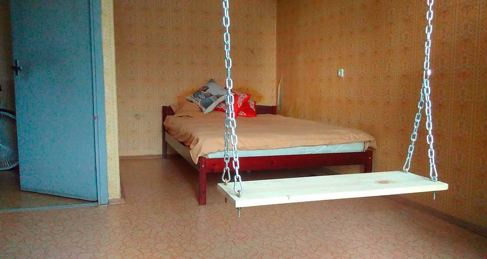 Комната с альковом — это такая ниша в стене специально дляспального места