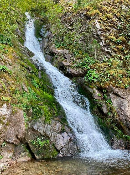 Водопад Киште очень живописный