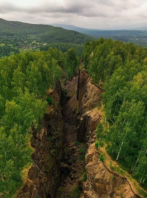 Провалы земли у поселка Магнитка