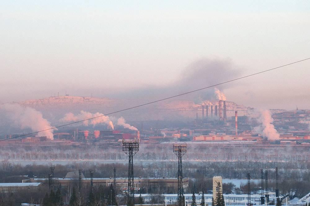 Обычная картина в Магнитогорске — выбросы с комбината