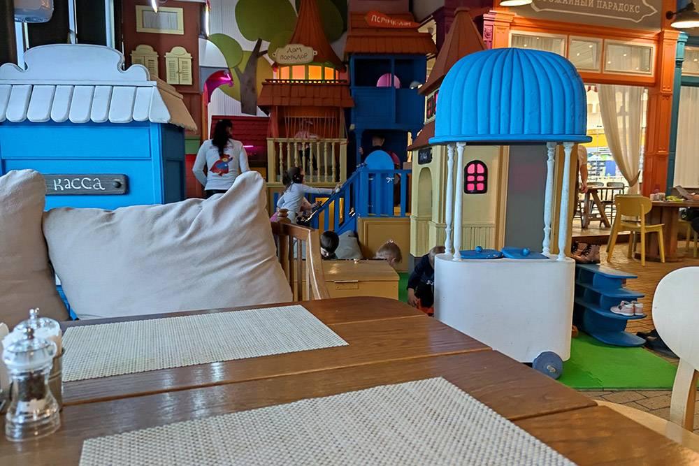 Выбрали ресторан сети «Гинза», потомучто там всегда есть детская комната»