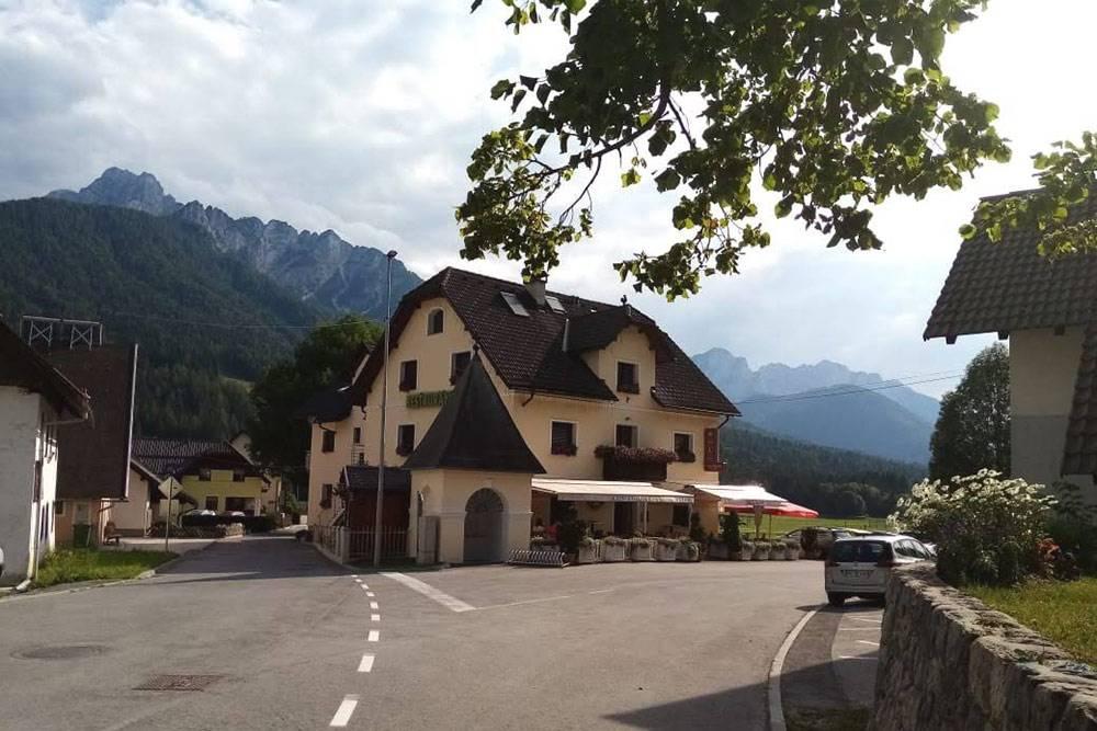 В Словении везде чисто и аккуратно, потрясающая природа, озера, горы и море. Это одна из причин, по которым я выбрала эту страну