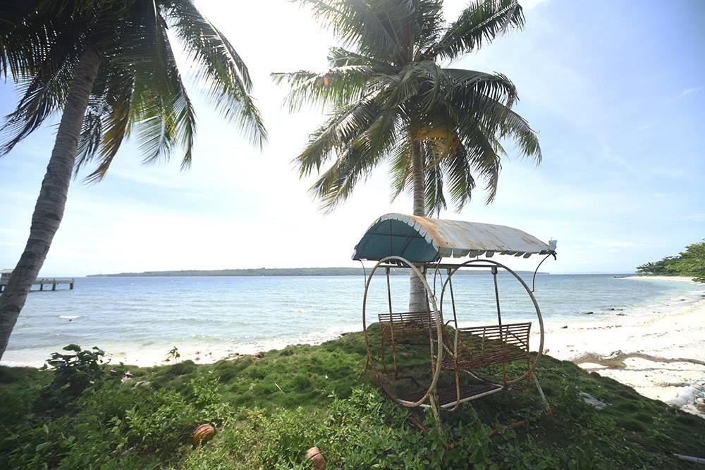 Заброшенный частный пляж на острове Самал