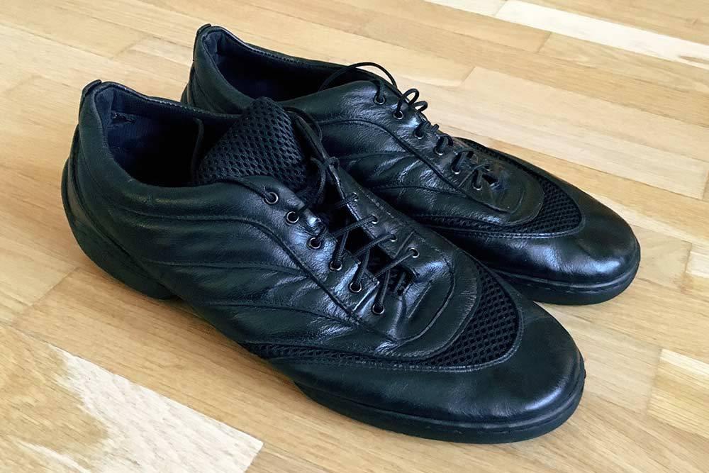 Мои джазовые кроссовки за 3750<span class=ruble>Р</span>