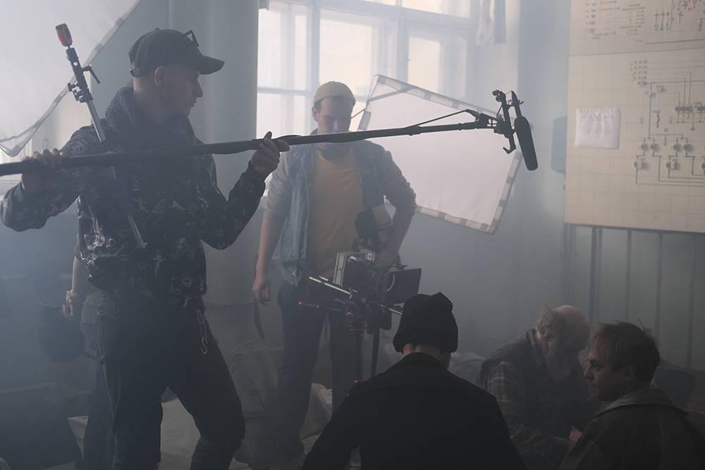 На съемки нашей короткометражки мы потратили 125тысяч рублей, но команда и актеры работали на творческом энтузиазме