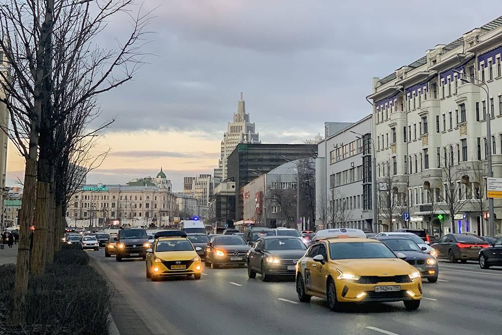 Сегодня в Москве очень красивое небо