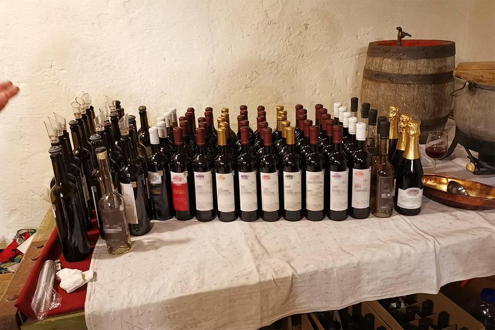 Винная дегустация в частной латвийской винодельне Padures Musa. Тут вина не из винограда, но есть облепиха, ежевика, малина, смородина и много других ягод
