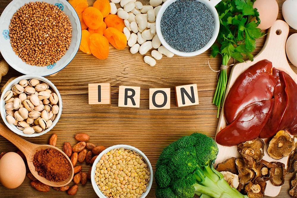 Самый надежный способ получать железо — сочетать мясные блюда с салатом. Источник: Evan Lorne / Shutterstock