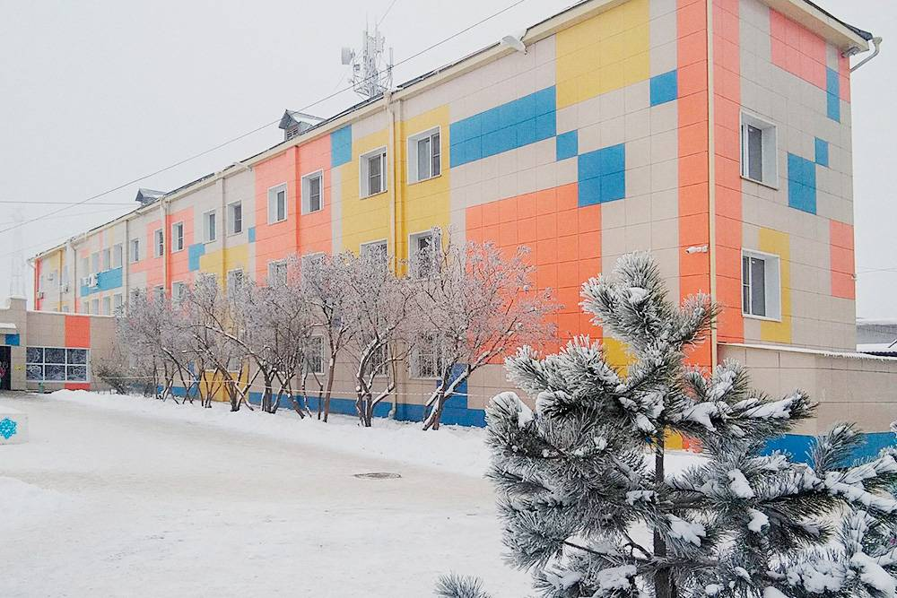Детская школа искусств, здание недавно отремонтировали