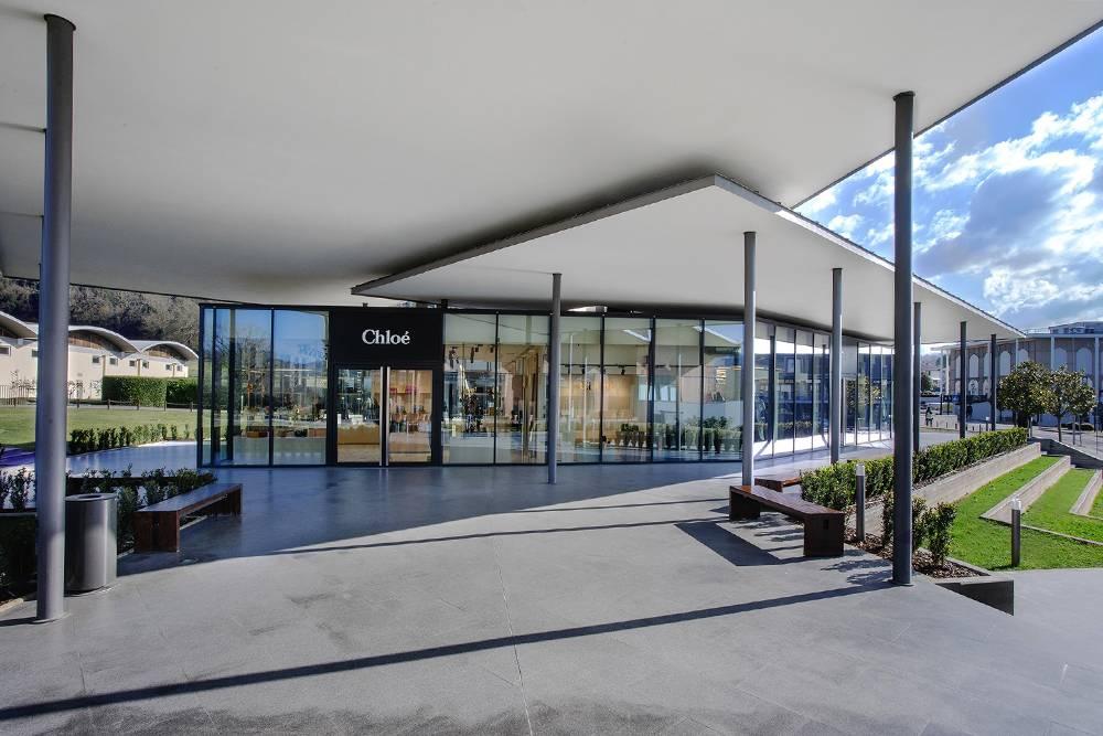 TheMall — это комплекс стильных зданий, в которых находятся модные бутики. Источник: группа TheMall в «Фейсбуке»