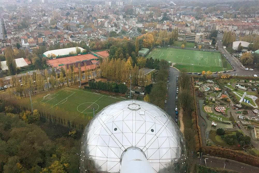 Вид на город из окон «Атомиума»