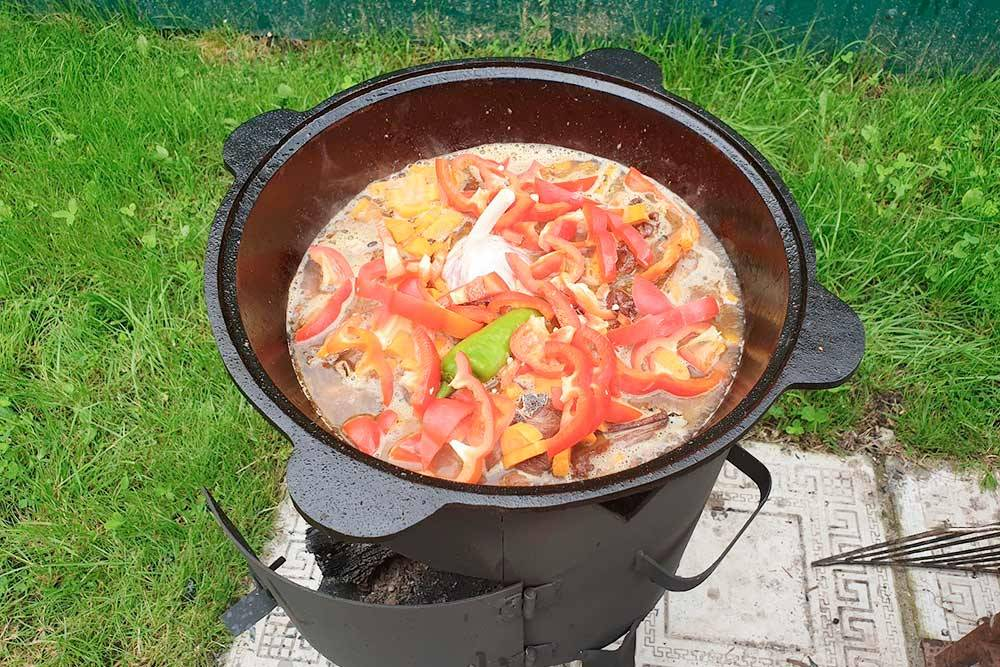 Готовлю казан-кебаб: ребрышки, картошка, овощи