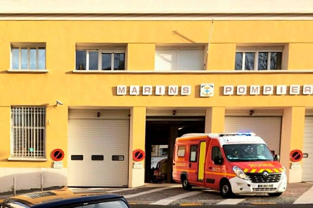 В Марселе за экстренными пациентами приезжает не скорая, а так называемые моряки-пожарники. Это просто историческое название службы — аналога российского МЧС