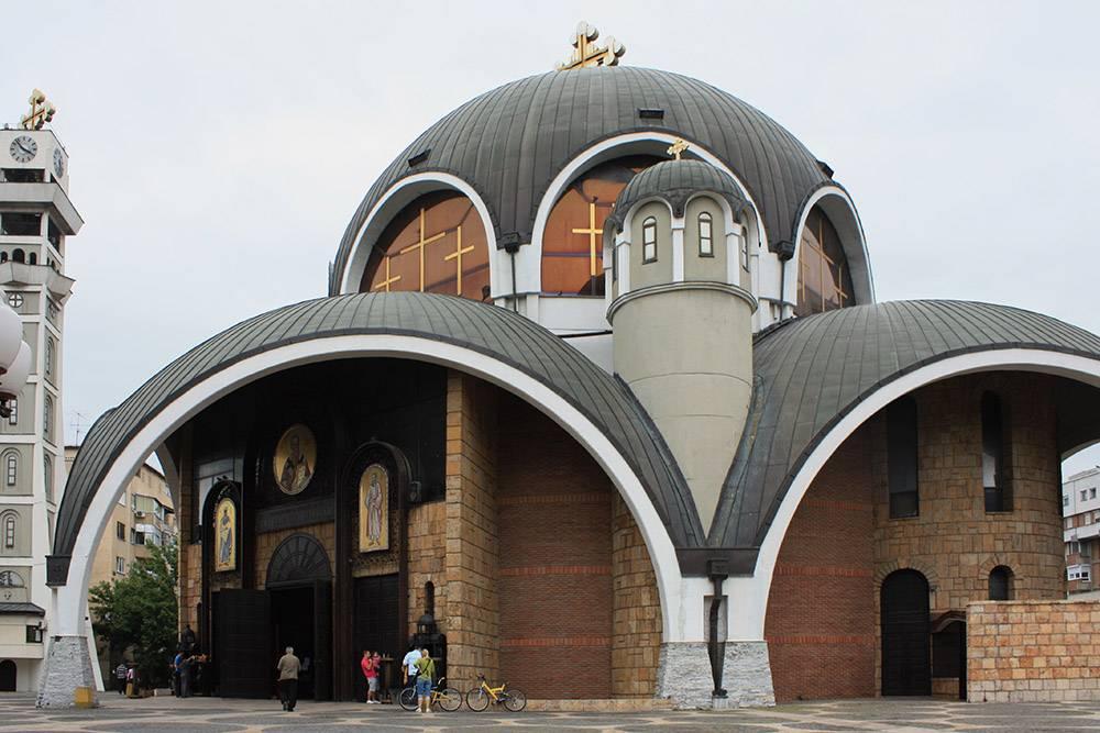 Собор Святого Климента Охридского, достроенный в 1990году, вмещает до 6тысяч человек. Источник:Anne Czichos/ Shutterstock