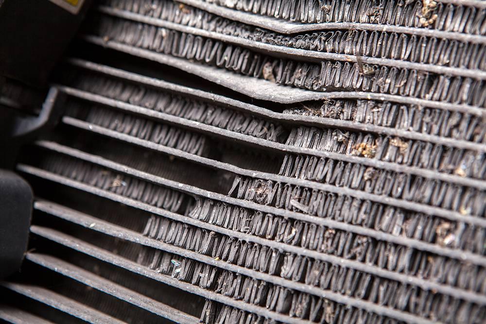 Поврежденный конденсор. Источник: lusia599 / Shutterstock