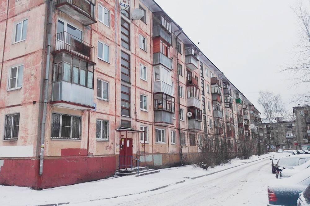 В Череповце хрущевки до сих пор пользуются популярностью из-за дешевизны квартир в них. Аналогичное по площади жилье в новостройке будет стоить на 20—30% дороже