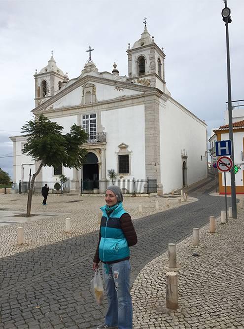 Лагуш— небольшой портовый город, которому больше 2000 лет. Центр можно обойти за час. Этой церкви Санта-Мария 520 лет