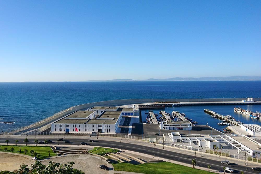 Вид на Гибралтар и Испанию