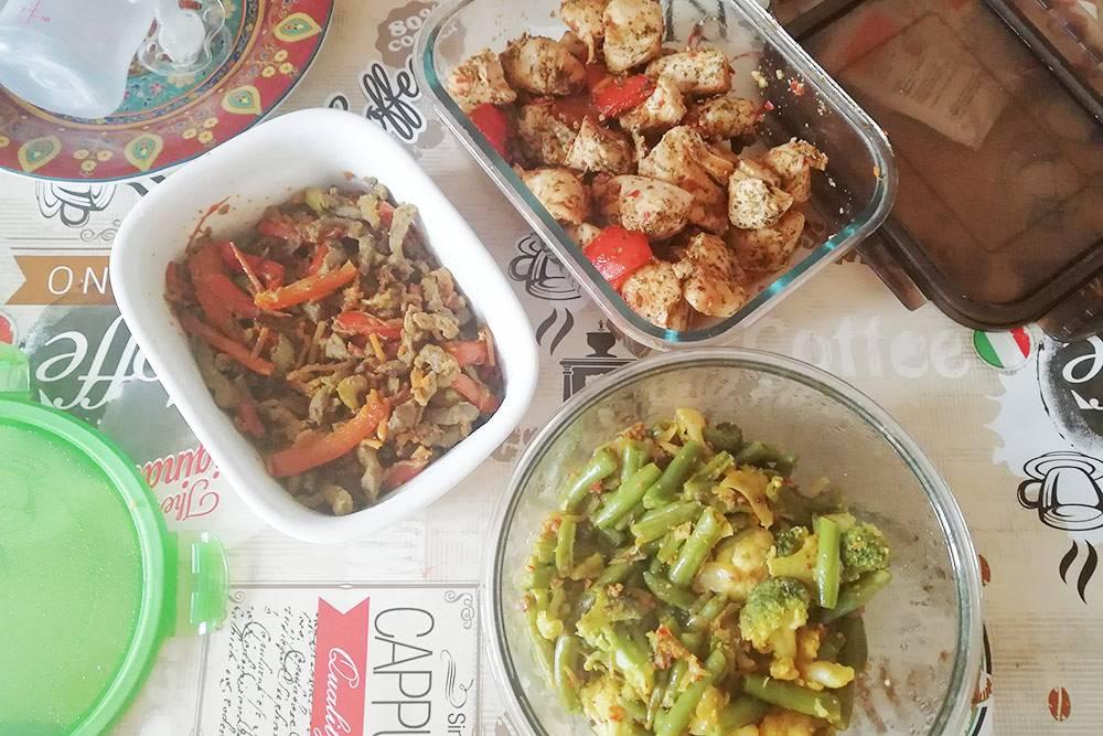 Я пыталась быть хорошей женой и училась готовить разносолы, похожие на тунисские. Но было сложно угодить