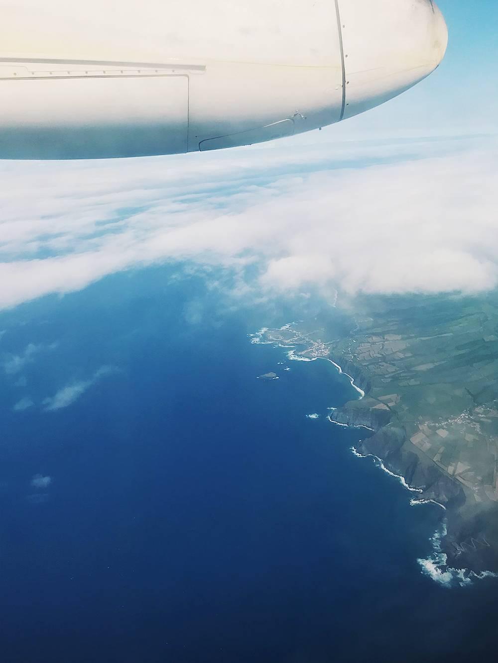 Самолеты на Азорах похожи на маленькие летающие маршрутки: они делают остановки на разных островах